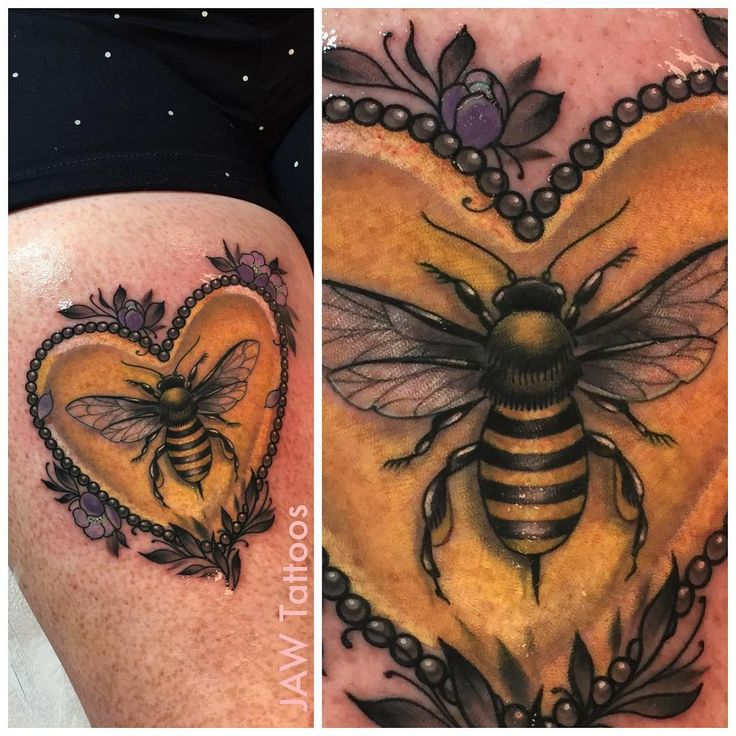 """""""First session on Kim's bee  Honeycombs, colors, and more highlights next time!! Sorry for the overly shiny photo """""""