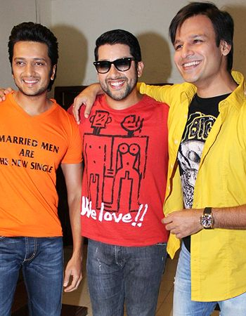 Aftab, Riteish and Vivek unveil Grand Masti's first poster!