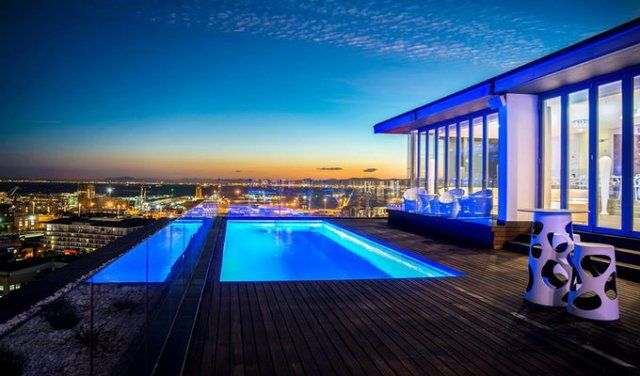 How about visiting this bar on your next visit to Cape Town? The Vue Sky Bar and Lounge. #CapeTown #bucketlist