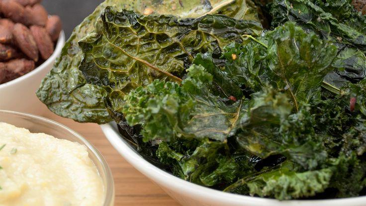 Kale Chips #theurbanvegetarian #snacks #vegetarian #vegan #glutenfree
