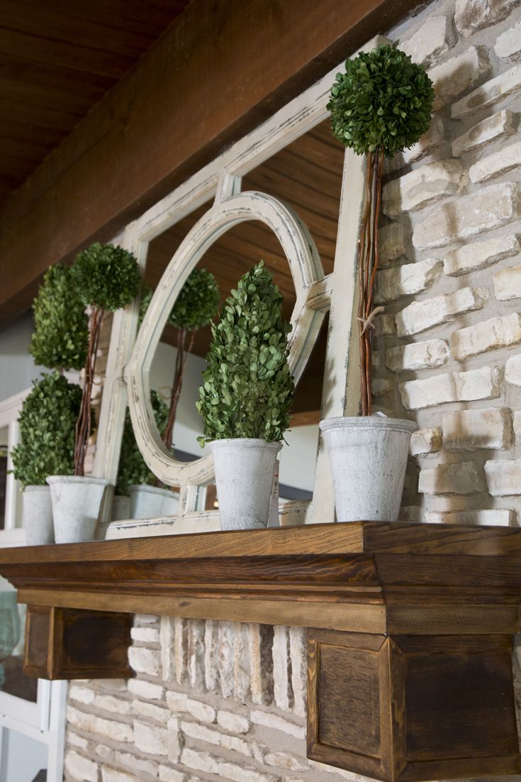 Lake house living room decor - Find This Pin And More On Lakehouse Living Room