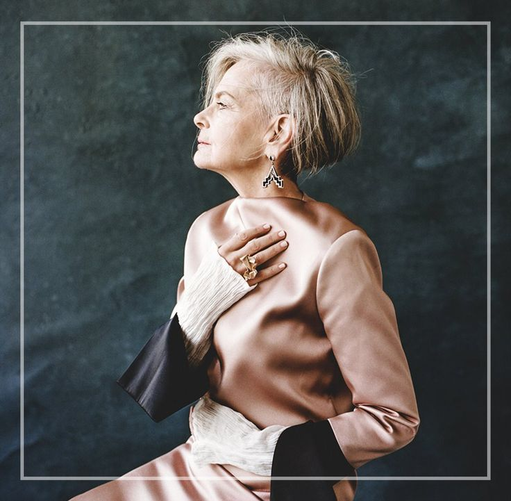 We can't stop scrolling through the feed of Accidental Icon Lyn Slater. Lyn's outfits are bold and she emanates power. This 63-year-old blogger shows us that style transcends fashion. Photo: Accidental Icon #accidentalicon #style #fashionicon #senior #ageisnotavariable