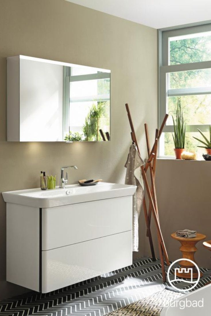 Burgbad Iveo Dieser Schone Spiegelschrank Von Burgbad Uberzeugt Durch Viele Praktische Zusatzfunktionen So Verfugt Er Spiegelschrank Led Beleuchtung Schrank