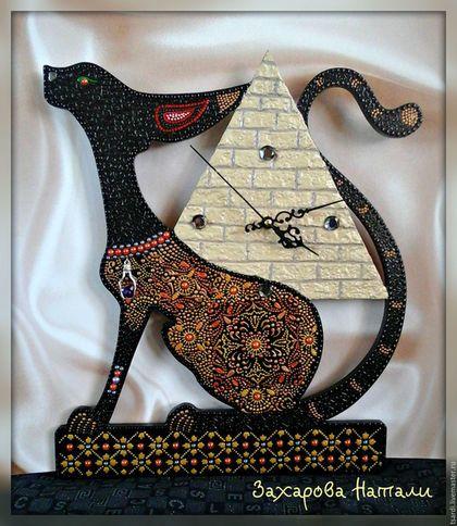 """Часы для дома ручной работы. Ярмарка Мастеров - ручная работа. Купить Часы """" Кошка с пирамидой"""". Handmade. Комбинированный"""