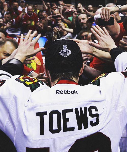 Jonathan Toews, Chicago Blackhawks love him