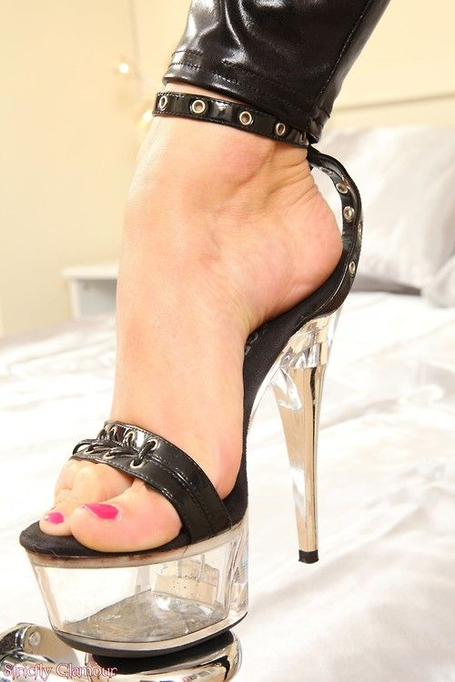 1000+ images about Sexy heels on Pinterest | Sexy ...