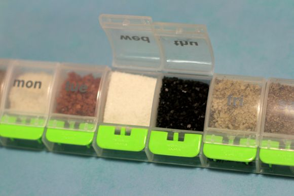 Portable Spice Kit Organizer- actually a really smart idea, because I'm always regretting not having my fav spices on holiday