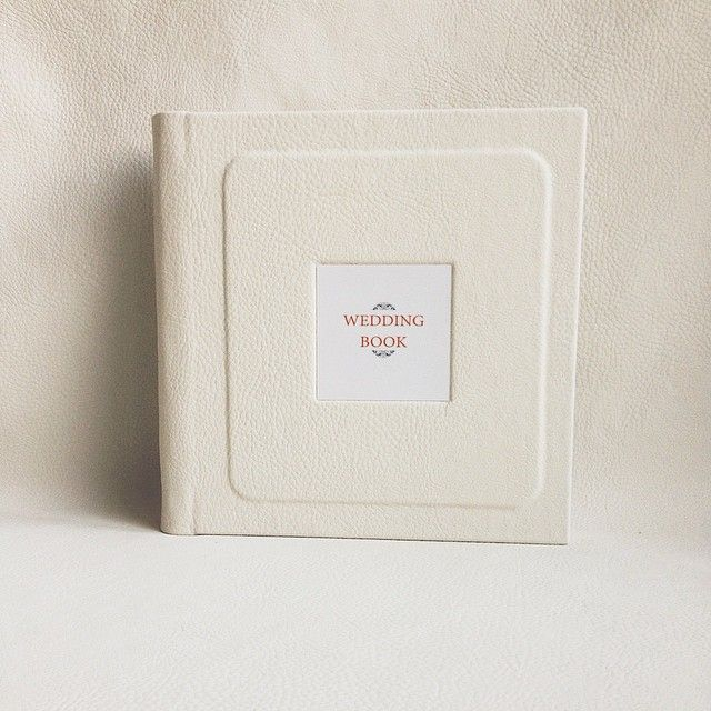 Фотокнига серии Premium 20x20 с фотографией на обложке #famebook #photobook #weddingalbum