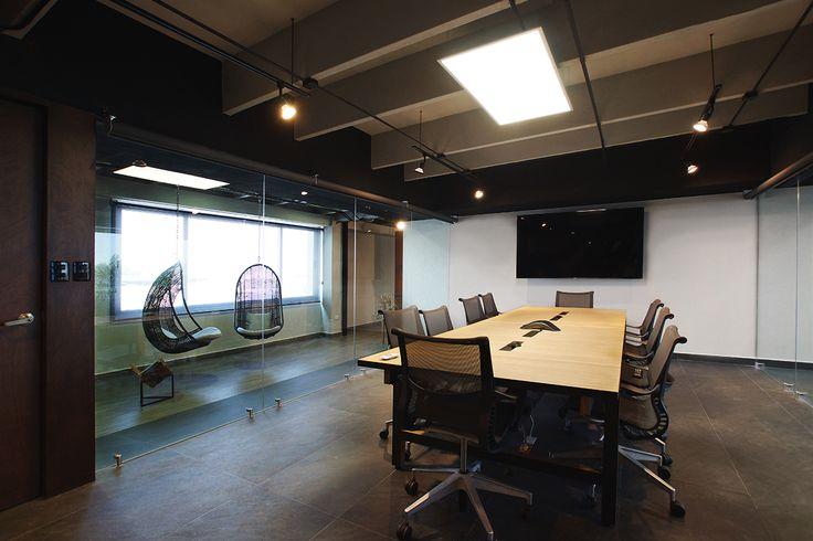 Oficinas ER | Dionne Arquitectos | #office #center #boardroom #furniture #lighting