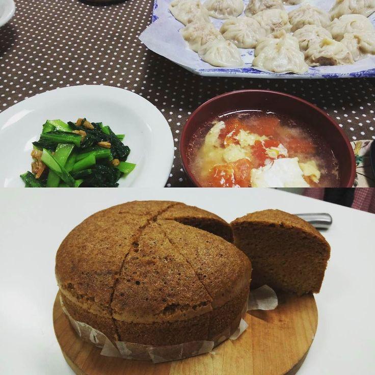 今日はお料理教室でした 手づくり小籠包青菜炒めトマトと卵のスープマーラーカオでした マーラーカオ簡単にできるね 早速家でも作ろう 小籠包は包むのが難しい鍛錬が必要だな #小籠包 #マーラーカオ #中華料理 #料理教室