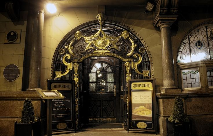 Philharmonic Pub Door, Hope Street, Liverpool (by Formidable Photography)