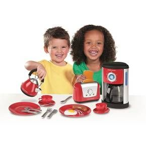Little ones adore role play and pretending that they are doing jobs around the house- just like the grown-ups! The Morphy Richards' Kitchen Set has a specially-designed contemporary style, right down to the last detail. This set includes a fillable coffee maker which allows water to pour into the coffee pot, a kettle with level gauge indicator, a toaster with 'pop-up' toast, an extensive range of colorful dishware, and even play food! Collect all of Casdon Toys' Little Cook se...