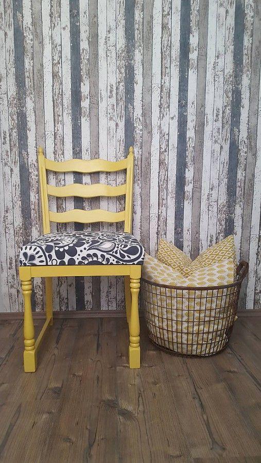 matama / Žltá stolička
