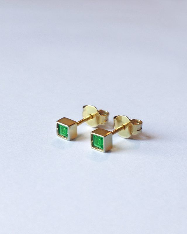 "PARALLELEPIPEDS EARRINGS | short ""Geometric Obsession"" New Jewellery Collection.  SHOP www.danielacoppolino.com #danielacoppolinojewelry #danielacoppolino #jewellery #jewelry #campaign #gold #designer #nuovacollezione #newcollection #gioielli #orecchini #madeinitaly #emeralds #emerald #jewelryaddicted #finejewelry #newcollection2017 #earrings"