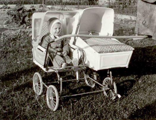 one of the best vintage double/twin prams I've ever seen  A pretty good favourite http://www.geojono.com/