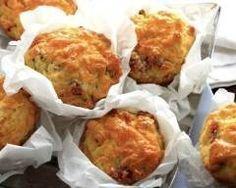 Muffins salés au poulet et curry http://www.cuisineaz.com/recettes/muffins-sales-au-poulet-et-curry-76500.aspx