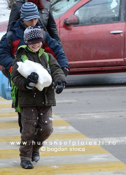 Snow `to go` :)   people, stories & photos - www.humansofploiesti.ro