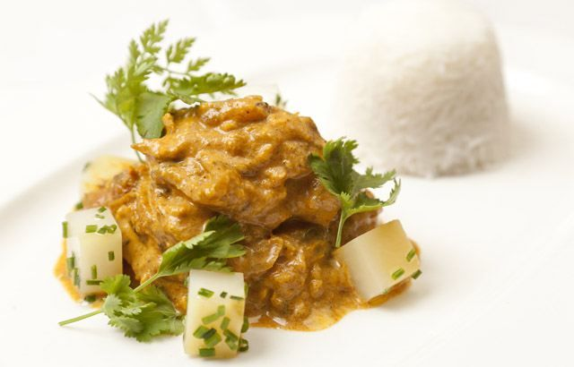 Sweet Potato & Chicken Curry Recipe - make this for a weekend alternative to phoning out for a takeaway. Add some sides like onion bhaji and samosa from the supermarket deli counter