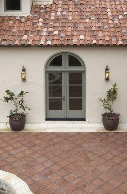 25 best ideas about stucco walls on pinterest stucco - Exterior concrete wall paint colors ...