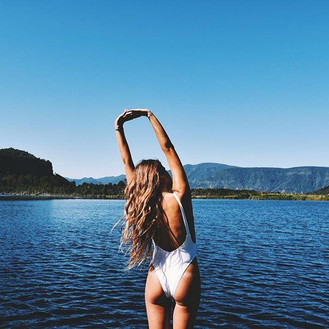 Summer comeback!☀️  @showpo #showpo #chile #travel #blue #nature #instagood #instalike #igers #lake #beauty #view #girl #hair #travelgram #chilena #picoftheday #instagirl