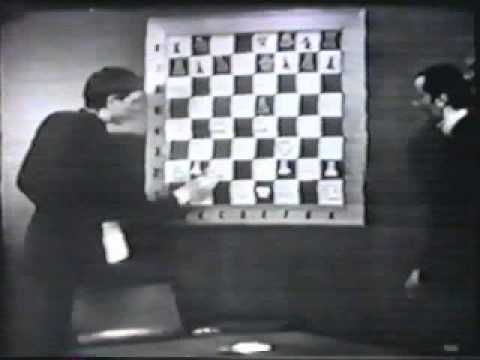 "Bobby Fischer annotates Paul Morphy ""Opera game"" (chess)"