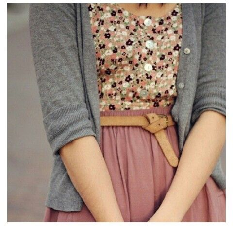♥ – this is a cute outfit, esp for Valentines Day.  I like the soft dark pink….