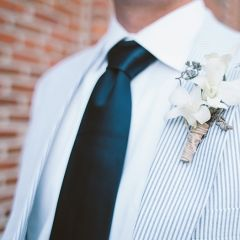 seersucker suits Gah I can't get over how absolutely stunning a groom/ groomsmen would look in this!