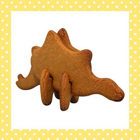 Een 3d-koekvorm van een dinosaurus – of wacht, niet zomaar een dinosaurus, een stegosaurus! Na het bakken van de koekjes zet je hem zo in elkaar! http://dekinderkookshop.nl/product/3d-koekvorm-stegosaurus/