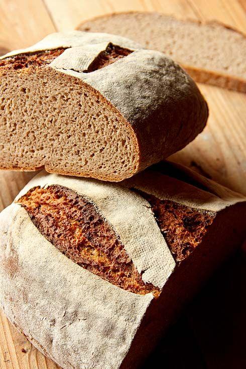 Roggenvollkornbrot nach Trine Hahnemann - Plötzblog - Selbst gutes Brot backenPlötzblog – Selbst gutes Brot backen