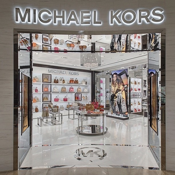All the things I love in a city are in #Taipei - great food, shopping and now a Michael Kors store!