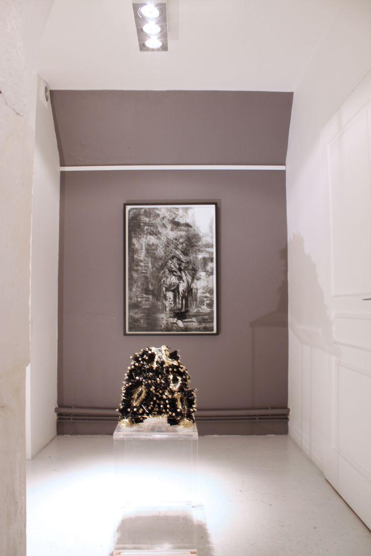 """Vue de l'exposition personnelle d'Emma Vidal """"FERAL"""" Galerie Oneiro, 9 rue du Perche, 75003 Paris / View of the personal show of Emma Vidal """"FERAL"""", Galerie Oneiro, 9 rue du Perche, 75003 Paris"""
