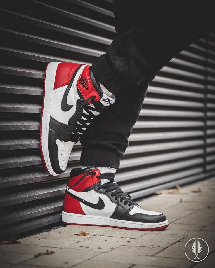 """Air Jordan 1 Retro High"" 'Black Toe'"