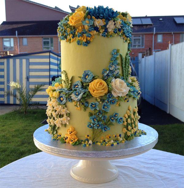 http://artycakes.co.uk
