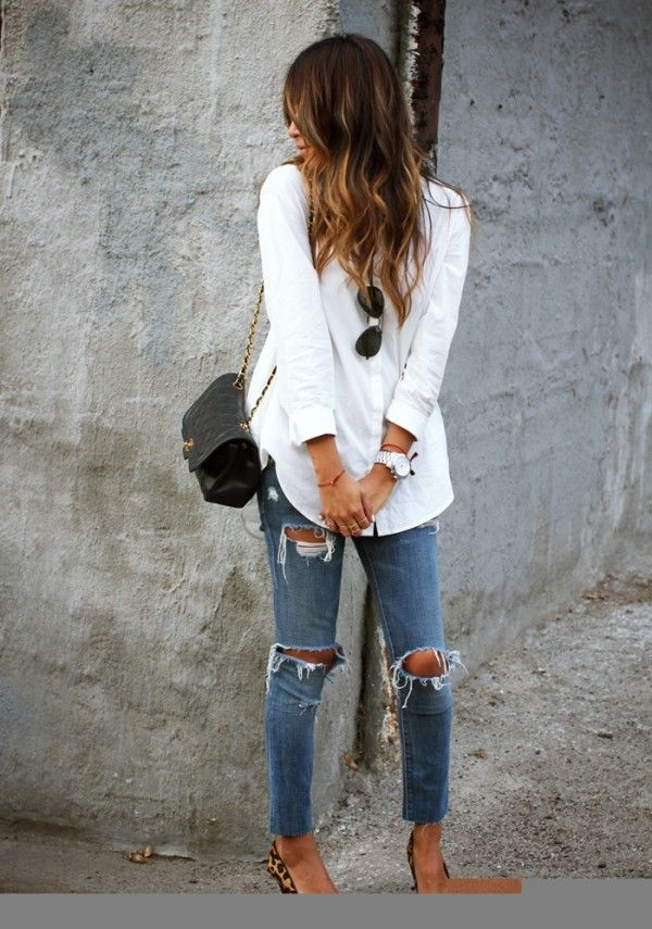 More street style here - http://dropdeadgorgeousdaily.com/2014/01/festival-fashion/