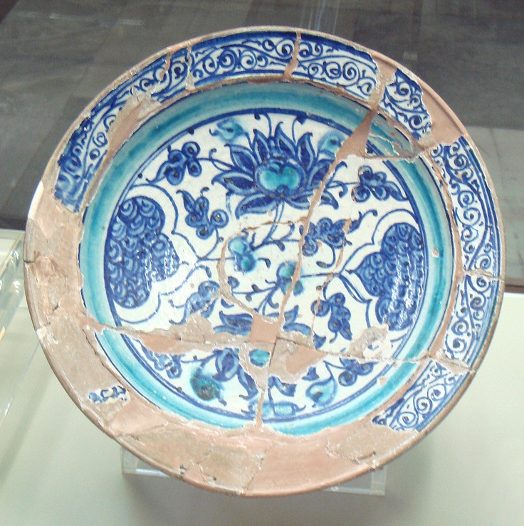 Miletus ware showing red clay base, Istanbul Archaelogical Museum
