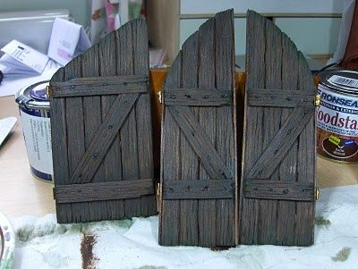 How to make doors with Popsicle sticks.