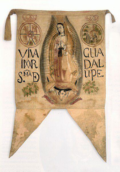 MÉXICO.- El estandarte que Miguel Hidalgo utilizó durante El Grito de Dolores, con la imagen de la Virgen María, es reconocida como la primera bandera nacional; este símbolo representaba la lucha por la independencia y obviamente fue el primer emblema con el que nuestro pueblo se sintió identificado.