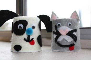 Upcycled yogurt containers - maybe cut felt pieces and let them play in the car? :/