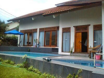 Sewa Villa Di Lembang Phone 082120989285 -Villa Istana Bunga-: Villa Istana Bunga Villa 4 Kamar Maksimal Nyaman U...