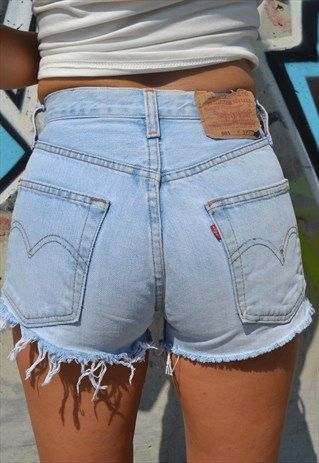 vintage Levi's 501 festival shorts //