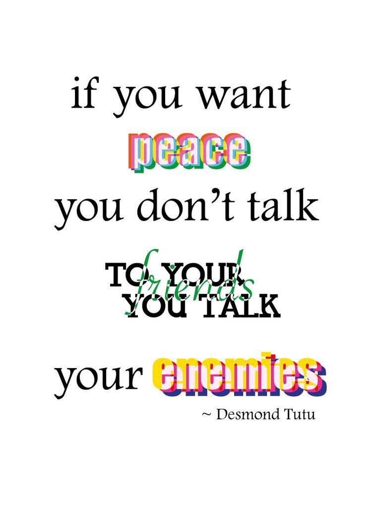 Ik heb hiervoor gekozen omdat vijanden belangrijker zijn dan de vrienden. Met vrienden maak je meer oorlog terwijl je moet overleggen met de vijand. Hierdoor is er voor vijand en vrede felle en opvallende kleuren gebruikt. 'friends' is daarom ook eigelijk verstopt tussen de letters en heeft de kleur paars omdat dit voor afschuw staat.