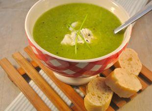 Lekker én gezond: broccolisoep! Bekijk het recept om te zien hoe je deze heerlijke soep maakt.