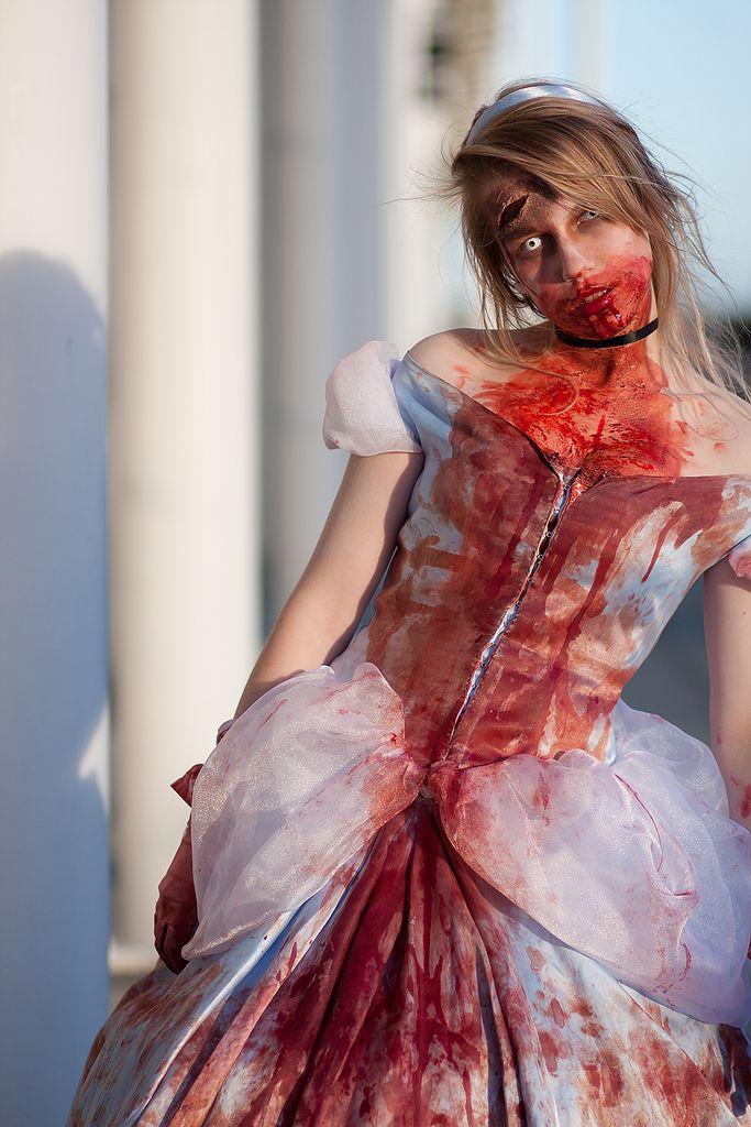 Cinderella #zombie #cosplay | London MCM Expo 18 2010