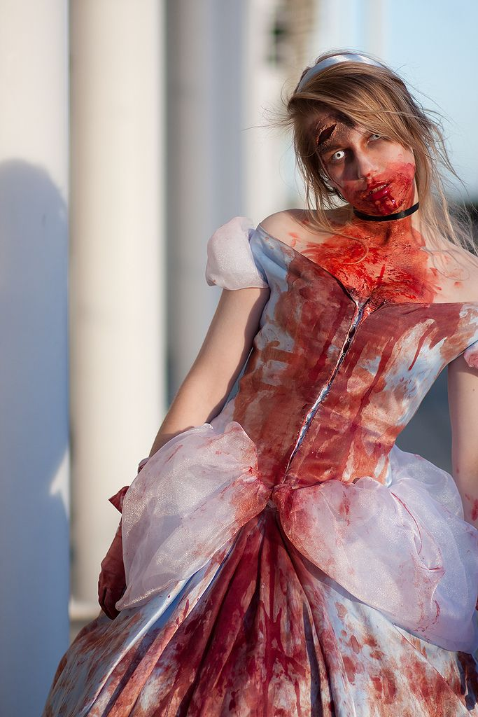 Cinderella #zombie #cosplay | London MCM Expo 18 2010