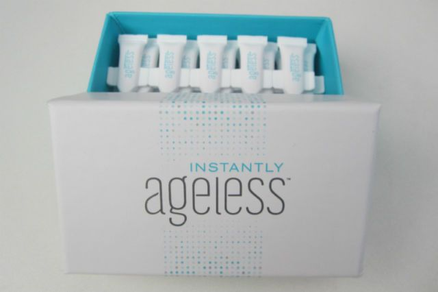 Instantly Ageless Inhaltsstoffe: Look 10 - 15 years younger in just 2 minutes. Works on everyone. Watch a live 2 minute demonstration. 30 day money back guarantee.