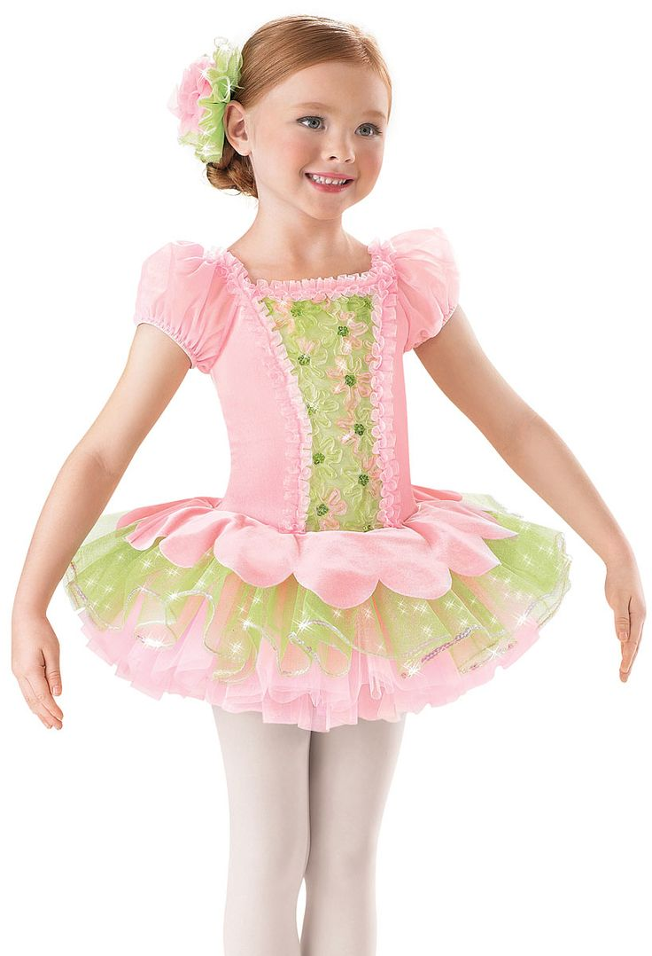 Retro Costumes for Girls. Girls can choose from Nifty Fifty's looks, cool Hippie looks that bring back the styles of the 's or even a rocker chick that looks like she walked in right out of