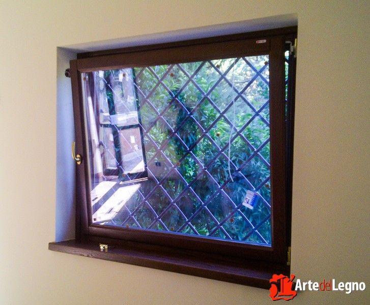 17 migliori idee su finestre in legno su pinterest - Finestra vasistas meccanismo ...