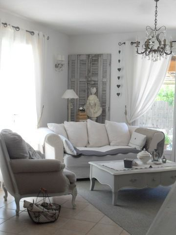 les 25 meilleures id es de la cat gorie salon shabby chic sur pinterest meubles porche. Black Bedroom Furniture Sets. Home Design Ideas