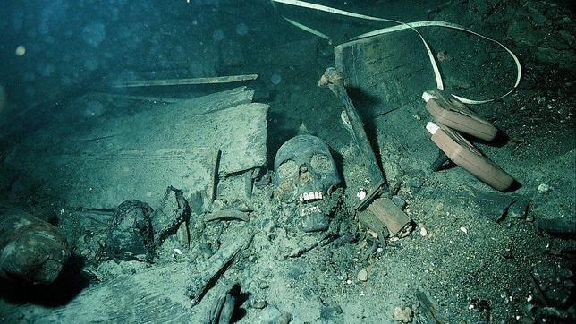 kronan--Restos del «Kronan», un pecio (restos de un artefacto o nave fabricado por el ser humano, hundido total o parcialmente en una masa de agua)