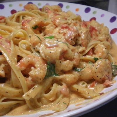 INGREDIENTS:   1 lb medium shrimp, deveined and tails removed   1 lb spaghetti noodles (more or less, depending on family size)   ...